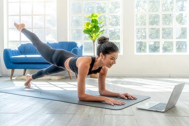Aula de Yoga pelo Youtube