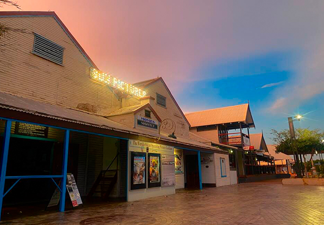 O mais antigo cinema ao ar livre do mundo fica numa cidade praiana da Austrália