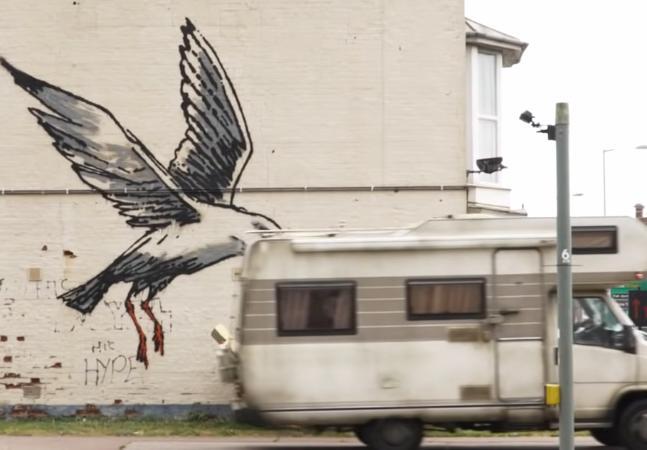 Como Banksy se esconde na hora de fazer suas intervenções artísticas?