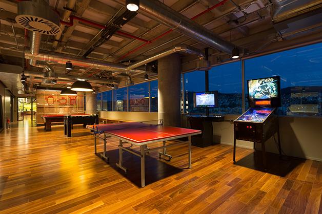 Detalhe da área comum do escritório do Google em Belo Horizonte