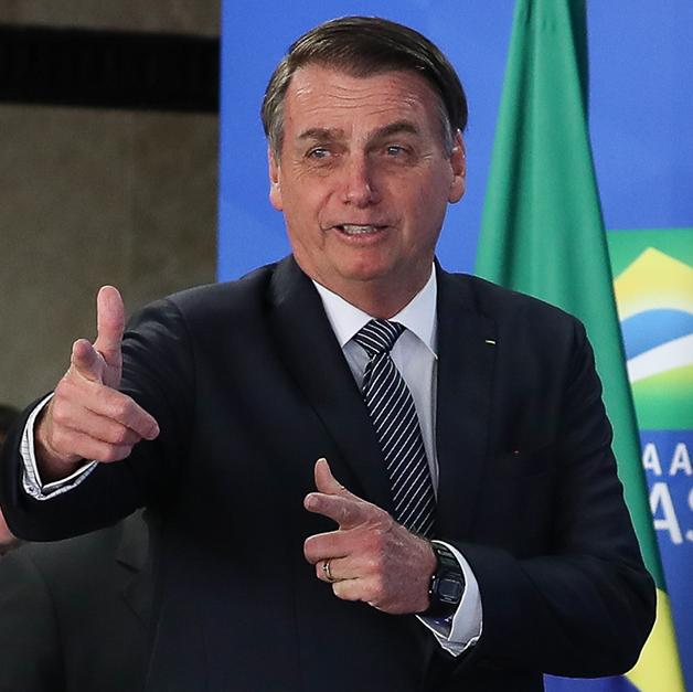 Presidente Bolsonaro durante a solenidade que suspendeu o horário de verão