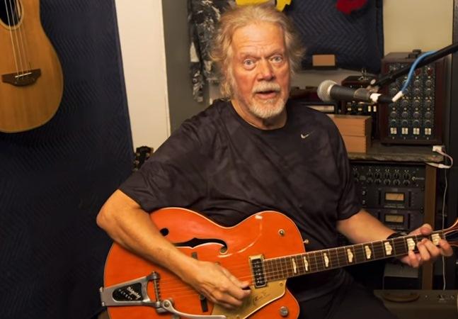 Graças à internet, fã encontra guitarra roubada de Randy Bachman desaparecida há 45 anos