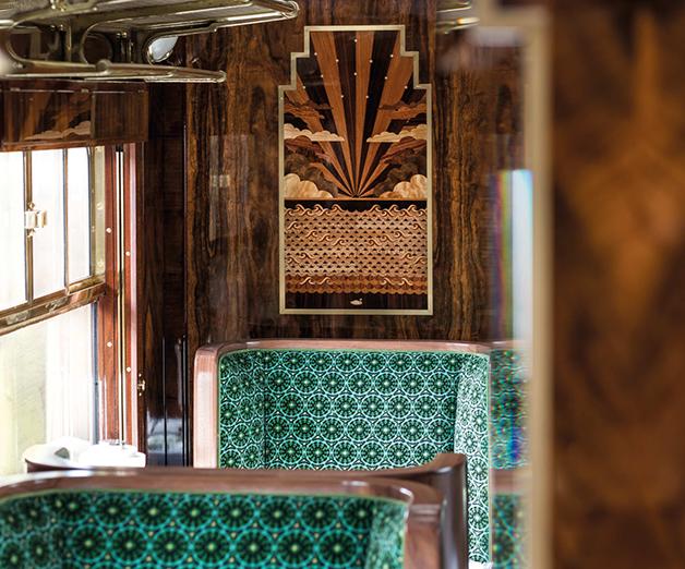 Vagão de trem decorado por Wes Anderson