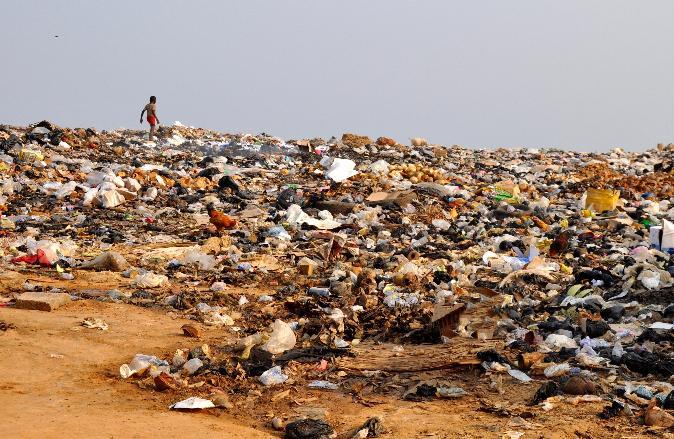 Como Gana se tornou 'lixão' de roupas de má qualidade dos países ricos
