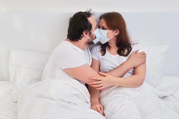 Os cuidados gerais com a Covid-19 se tornaram determinante para possíveis práticas sexuais seguras