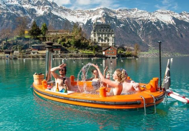 Estes barcos-jacuzzi suíços são a perfeição em forma de passeio