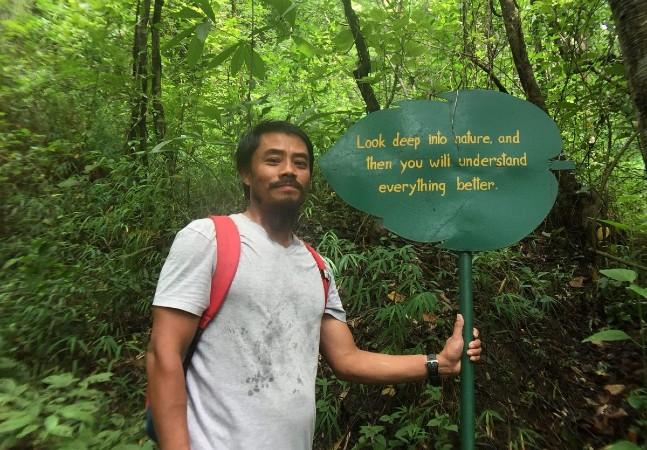 Homem dedica 18 anos de sua vida a reflorestar bosque onde brincava na infância