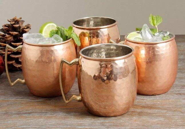 Copos e taças estilosas para você servir os drinks com muita personalidade
