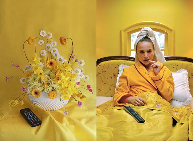 "Natalie Portman em cena de ""The Darjeeling Limited"", filme de Wes Anderson (2007) - e em arranjo floral"