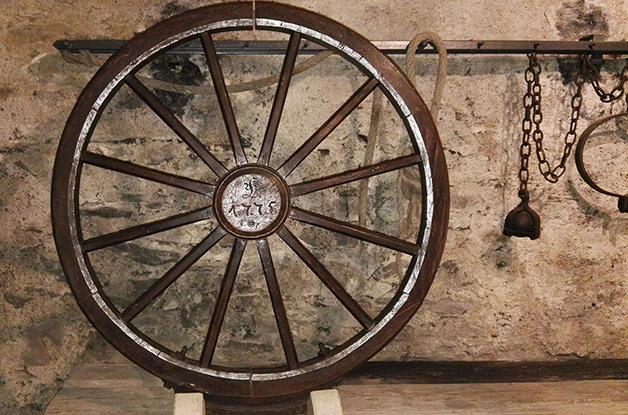 Parte do maquinário de uma Roda de tortura, datada de 1775