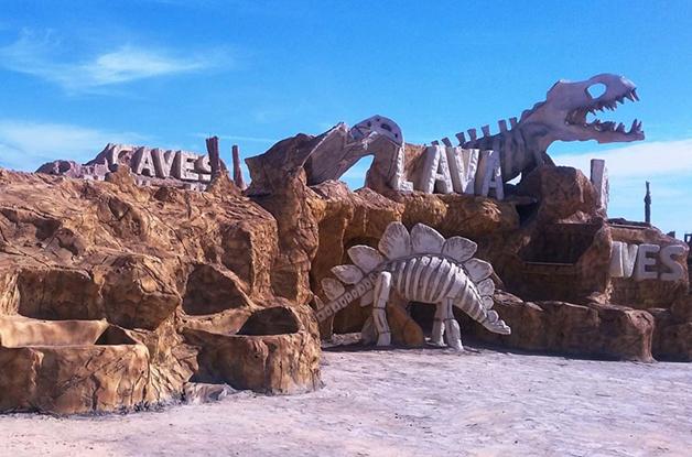 Detalhe da entrada do Caves Beach Resort Hurghada, no Egito